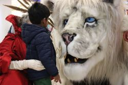 The Red Dragon Centre unleashes its Fantastic Beasts: A Snow Lion and his Queen